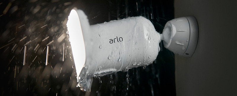 Arlo Pro 3 Floodlight in the rain