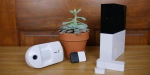 Abode launches HomeKit support for its entry-level DIY home security system