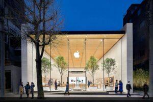 Apple's global retail engineering leader retires after 10 years