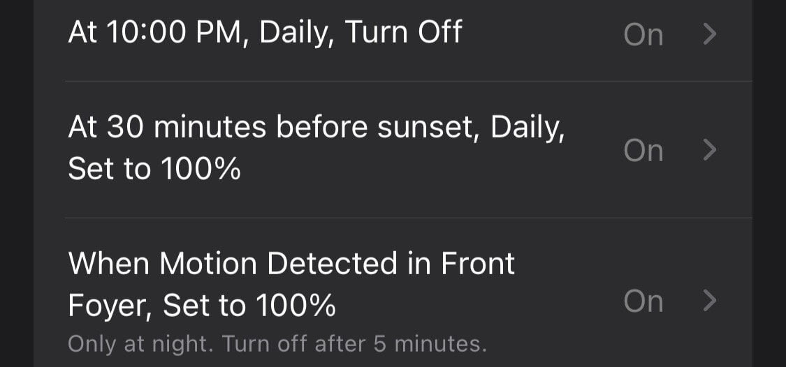 Does it light up when motion is detected, which has priority?