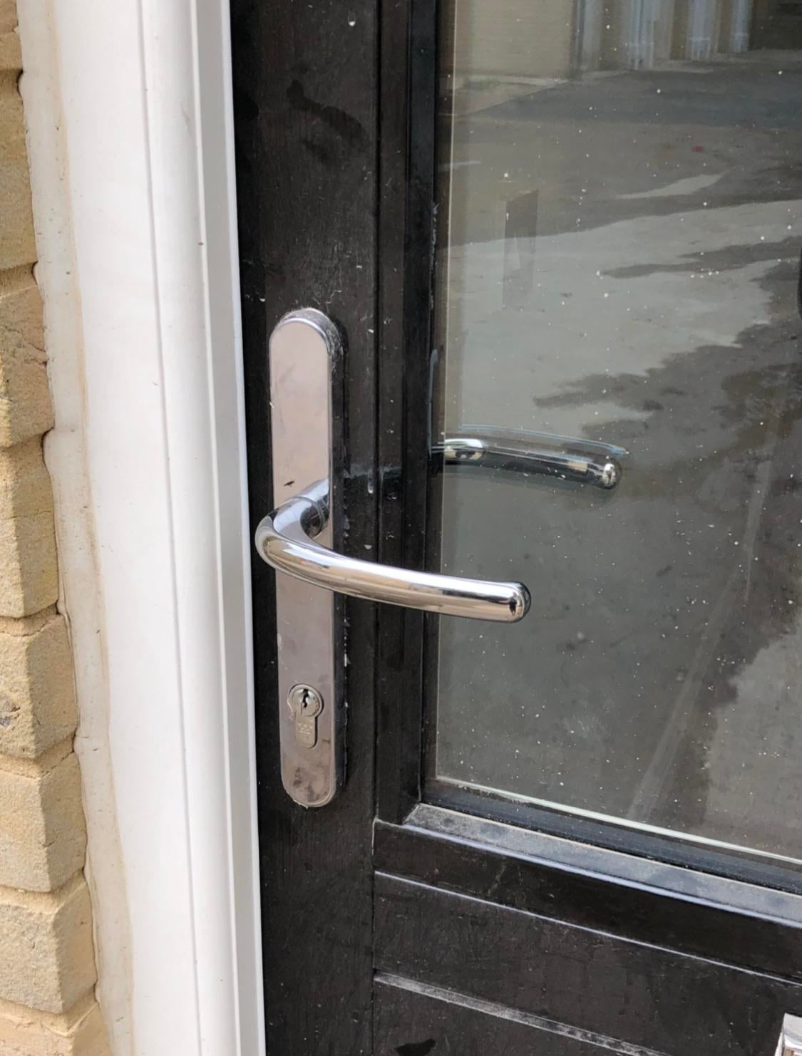 What type of lock would work best here
